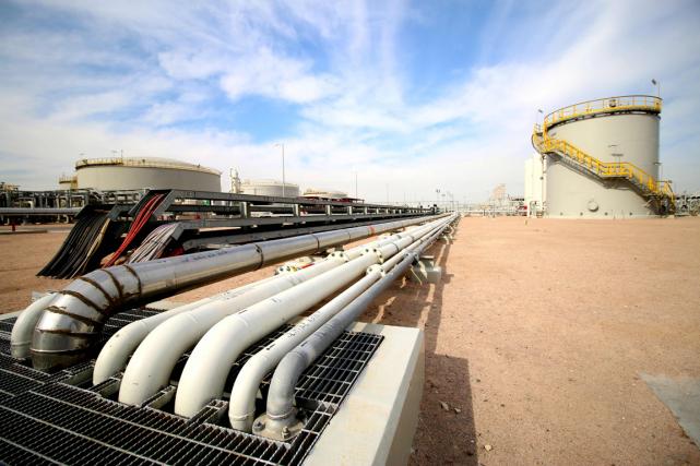 Les cours du pétrole baissaient un peu lundi en fin d'échanges européens, dans... (Photo Haidar Mohammed Ali)