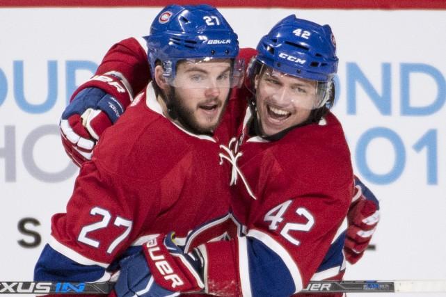 Alex Galchenyuk (à gauche) célèbre son premier but... (La Presse Canadienne, Graham Hughes)