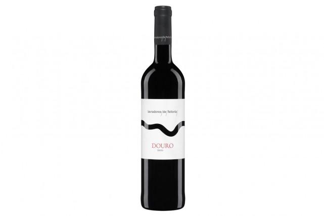 On peut très bien trouver de bons vins sous les 15$, mais d'en trouver à ce... (PHOTO FOURNIE PAR LA SAQ)