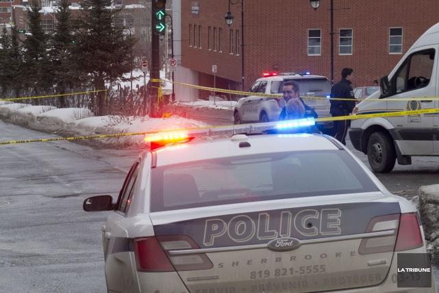 Un bon samaritain de Sherbrooke a subi de graves blessures alors qu'il venait... (Archives La Tribune, René Marquis)
