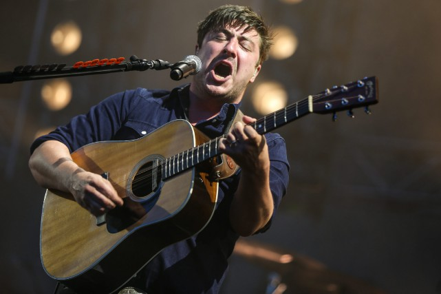 Marcus Mumford et ses «fils» donneront un spectacle... (PHOTO RICH FURY, ARCHIVES ASSOCIATED PRESS)