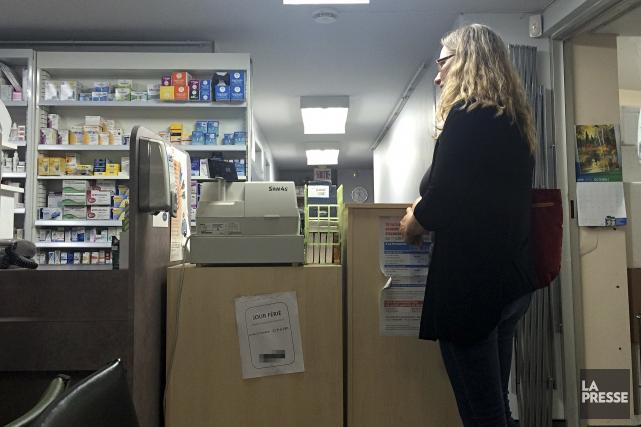 Plus de 900 employés ont perdu leur travail dans les pharmacies du Québec... (Archives La Presse)