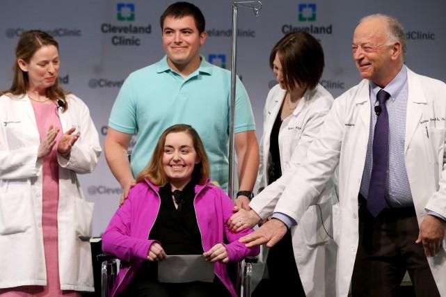 Lundi, l'équipe de chirurgiens et de médecins avait... (PHOTO ARCHIVES ASSOCIATED PRESS)