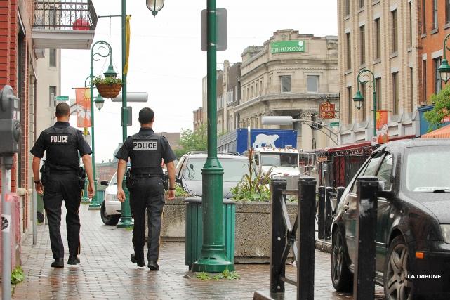 Le Service de police de Sherbrooke recrute présentement à l'interne un policier... (Archives La Tribune)