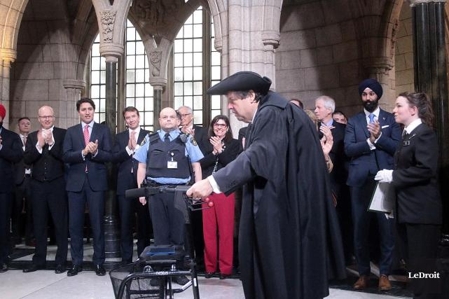 Mauril Bélanger lors de son entrée au Parlement.... (Photo Étienne Ranger, Le Droit)