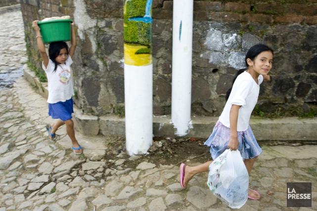 Des enfants au Salvador.... (La Presse)