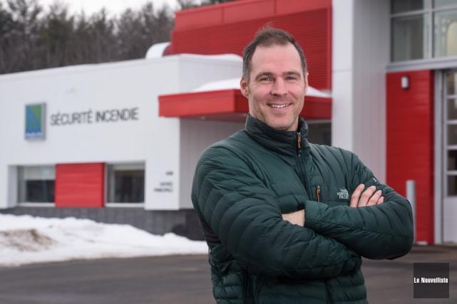 L'ex-athlète olympique Yannick Lupien est maintenant pompier à... (François Gervais, Le Nouvelliste)