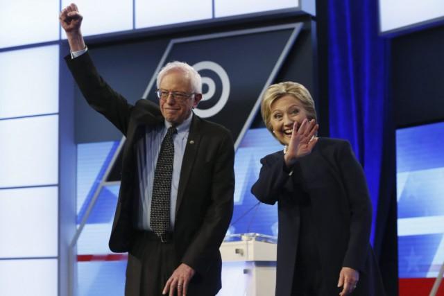 Les deux candidats à l'investiture démocrate Hillary Clinton... (Photo Wilfredo Lee, AP)
