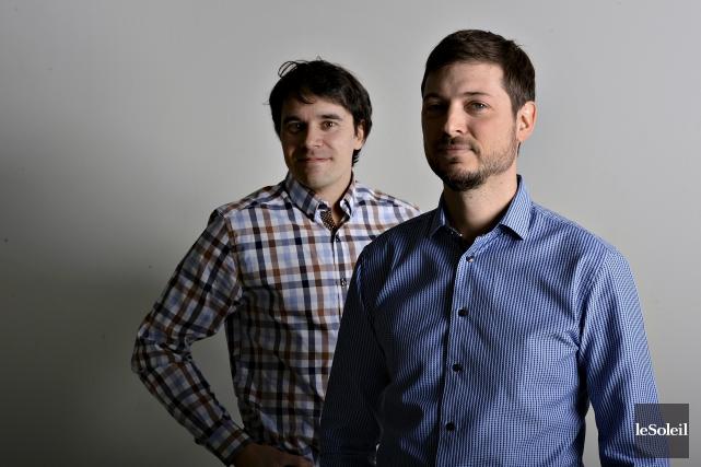 Jean-Philippe Jobin, vice-président Recherche et développement, et Samuel... (Le Soleil, Patrice Laroche)
