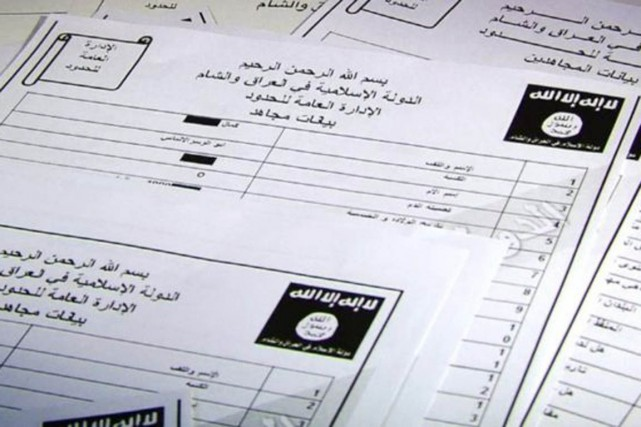 Les documents en question, qui contiennent les noms,... (PHOTO BBC.COM)