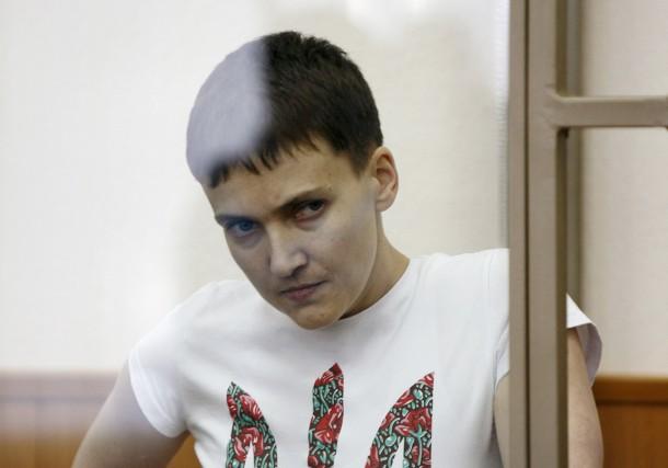 Nadia Savtchenko, qui risque 23 ans de prison,... (PHOTO ARCHIVES REUTERS/STRINGER)