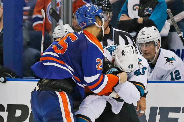 Darnell Nurse (25) a enfreint le règlement qui interdit... (Photo Perry Nelson, USA Today)