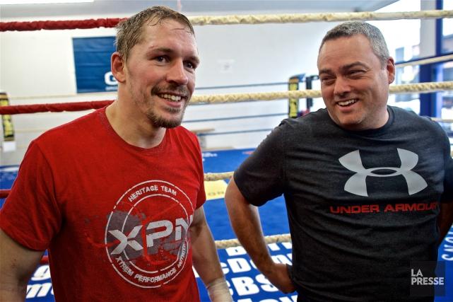 Kevin Bizier et son entraîneurMarc Ramsay. Le boxeur... (Photo André Pichette, La Presse)