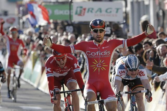 Le Français Nacer Bouhanni (Cofidis) a remporté au... (Photo AFP, Laurent Cipriani)