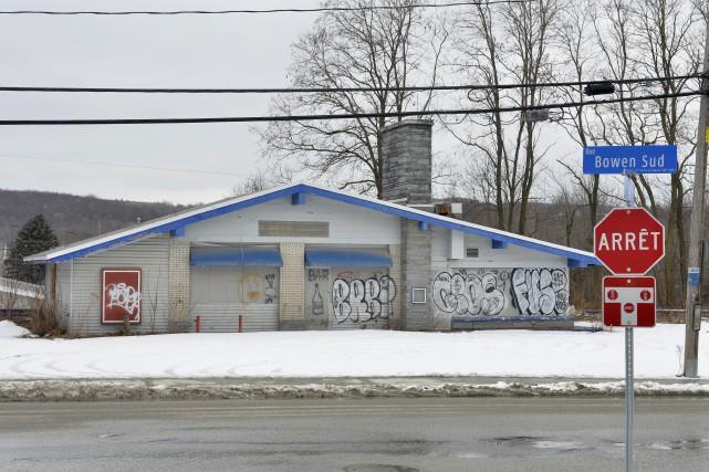 Des bâtiments sont abandonnés depuis des années à Sherbrooke. Pourquoi ? Que... (Spectre Média, Maxime Picard)