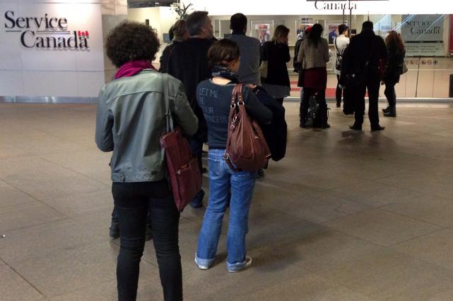Le taux de chômage a augmenté de 0,1 point de pourcentage pour le troisième... (Photo Ryan Remiorz, archives PC)