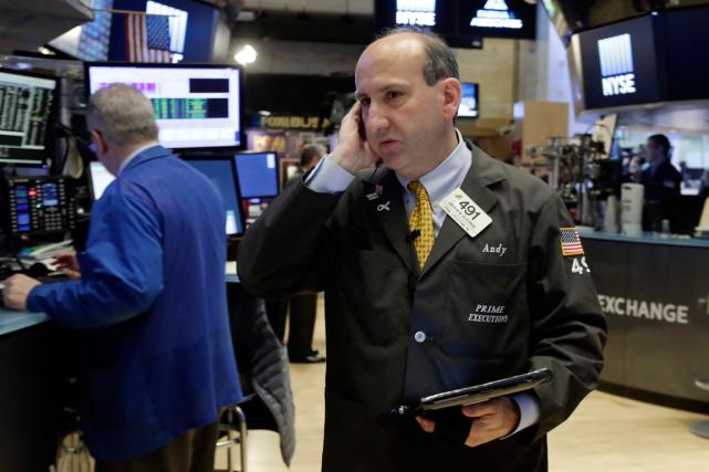 Wall Street a enregistré une légère baisse mercredi, les investisseurs se... (Photo Richard Drew, archives AP)