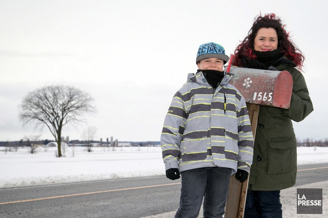 Julie Philippon et son fils Félix Cormier habitent... (PHOTO DAVID BOILY, LA PRESSE)