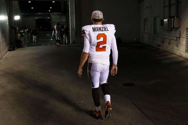 Johnny Manziel a épuisé la patience des dirigeants... (Archives AP, Frank Victores)