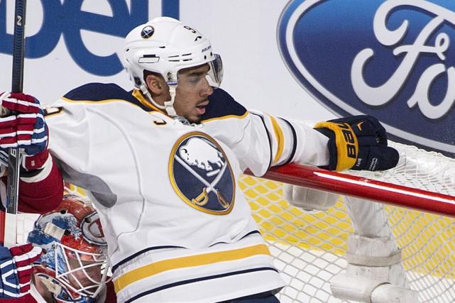 L'attaquant Evander Kane, des Sabres de Buffalo... (archives La Presse Canadienne)