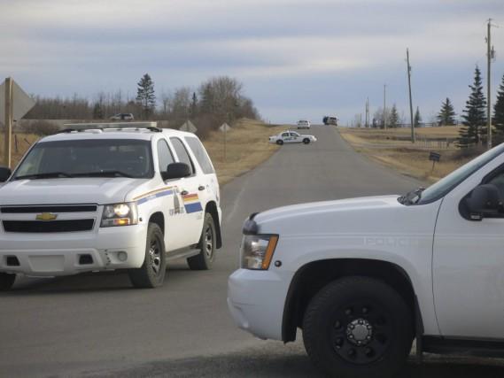 La GRC a établi un périmètre de sécurité... (Bill Graveland, La Presse Canadienne)