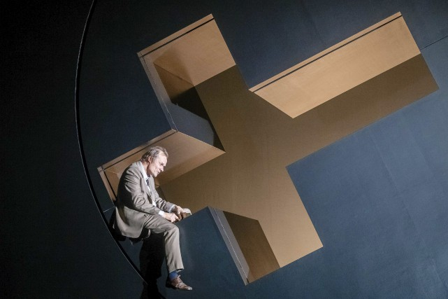 L'acteurEdgar Selge interprète le personnage central de Soumission,... (AFP, Markus Scholz)