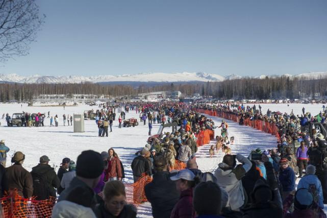 La course Iditarod se déroule chaque année de... (Associated Press)