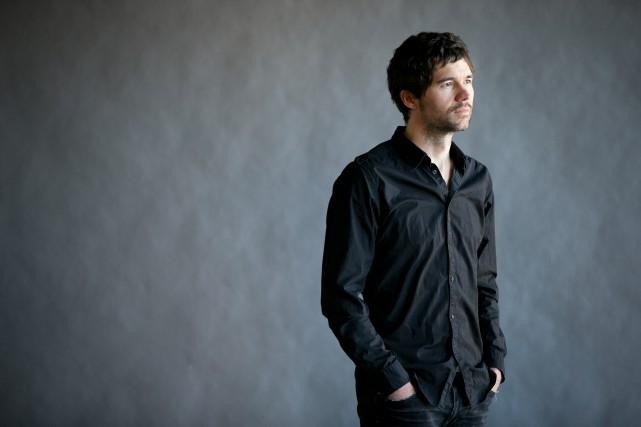 Maxime Denommée joue actuellement dans la pièce Des... (photo françois roy, la presse)