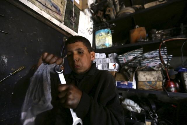 Othman al-Najjar voualit devenir architecte, mais la guerre... (AFP)