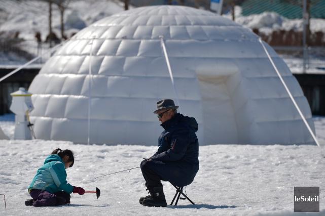 Le Village Nordik aménagé sur le bassin Louise a fermé ses igloos, dimanche,... (Le Soleil, Yan Doublet)