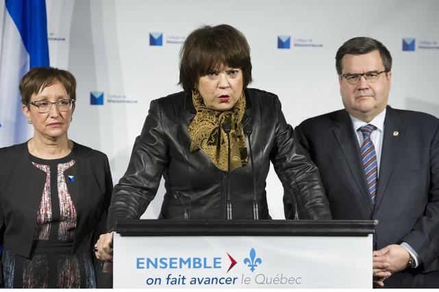 La ministre de l'Enseignement supérieur, Hélène David (au... (La Presse Canadienne)