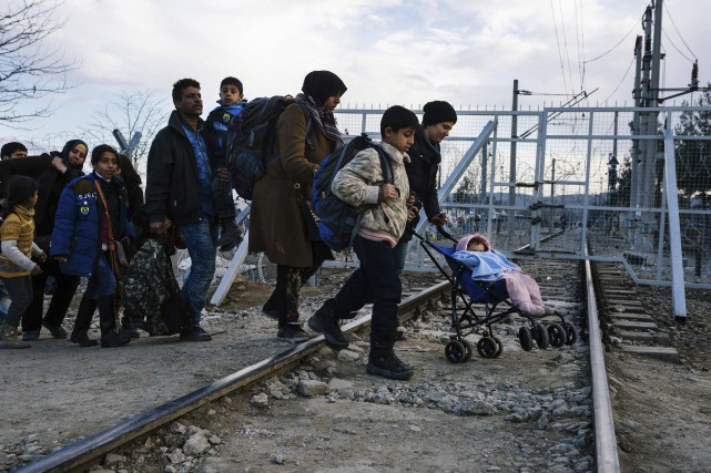 L'intégration des familles immigrantes est un dur métier dont le processus... (Archives, Agence France-Presse)