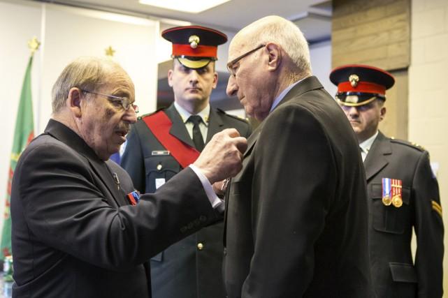 Yvon Bourassa, 94 ans, a reçu la médaille... (Olivier Croteau)