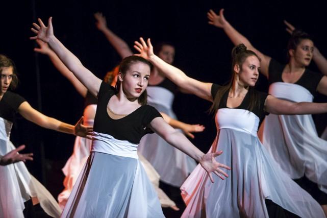 Les danseurs de l'École de danse Invivo ont eu la chance de faire la première... (Olivier Croteau)