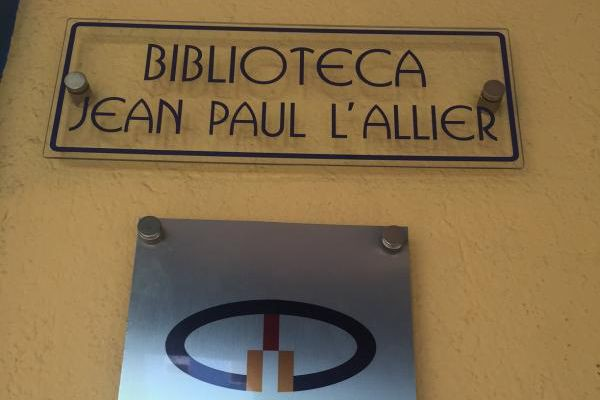 Pendant que Québec se demande encore comment honorer la mémoire de Jean-Paul... (Coutoisie, Organisation des villes du patrimoine mondial)