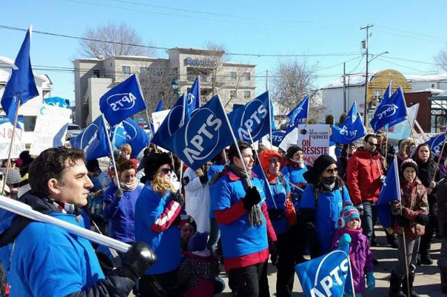 L'APTS a organisé une manifestation dimanche midi, inquiète... (Photo courtoisie)