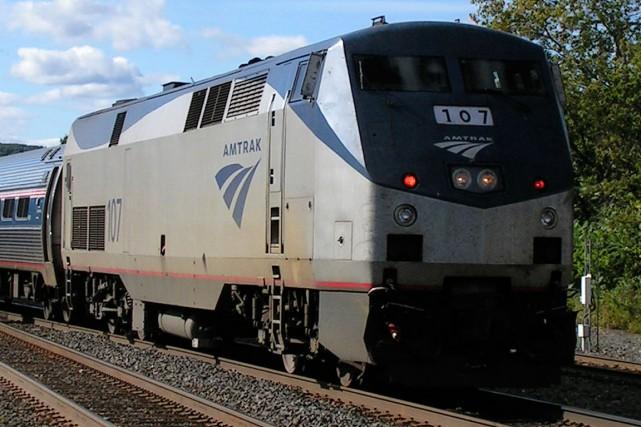 Plusieurs voitures d'un train de passagers ont déraillé tôt dans la nuit de... (Photo archives Reivax)