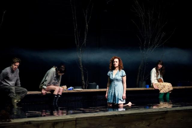 Il y a de très beaux et forts moments de théâtre dansFendre les lacs... (PHOTO DAPHNÉ CARON, FOURNIE PAR LA PRODUCTION)