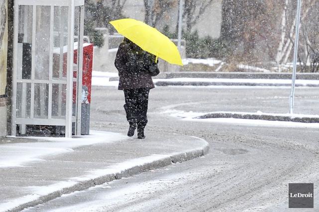 La pluie verglaçante devrait tomber jusqu'en début d'après-midi,... (Patrick Woodbury, Archives LeDroit)