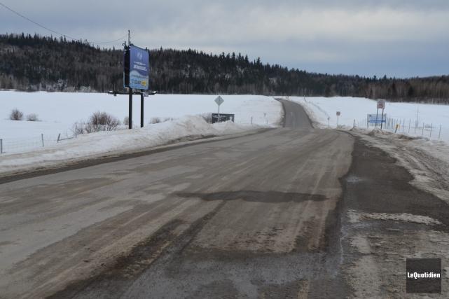 Le chemin d'accès a été construit et payé... (Photo Le Quotidien, Laura Lévesque)