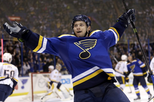 Vladimir Tarasenko des Blues de St. Louis est... (archives Associated Press)