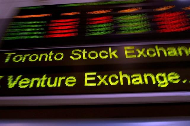 La Bourse de Toronto a clôturé lundi au-dessus de la barre des 15000points... (PhotoFrank Gunn, archives La Presse Canadienne)