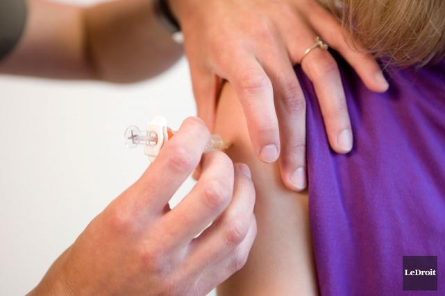 L'implantation de la deuxième dose du vaccin contre... (ARCHIVES, LeDroit)