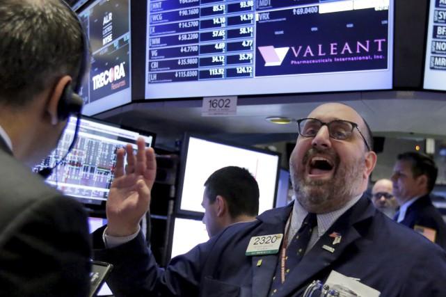L'action de Valeant a perdu la moitié de... (AP, Richard Drew)