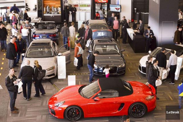 Le Salon international de l'auto d'Ottawa-Gatineau 2016 qui s'ouvre jeudi au... (Martin Roy, archives LeDroit)