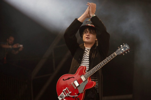 Pete Doherty lors de sa participation au festival... (PHOTO ARCHIVES AP)