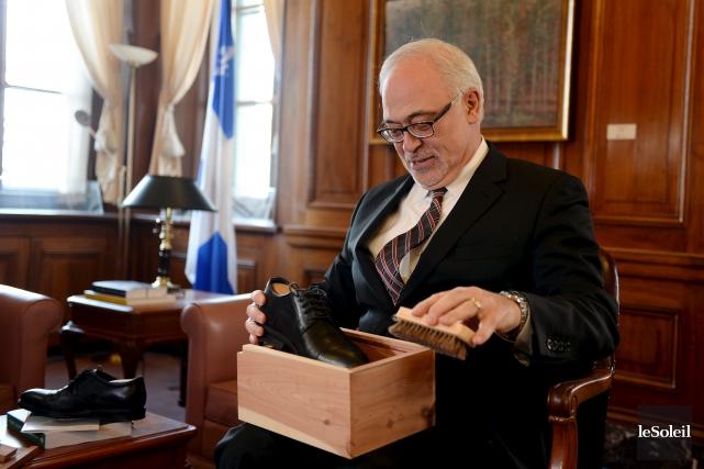 Le ministre des Finances, Carlos Leitão, s'est prêté... (Le Soleil, Erick Labbé)