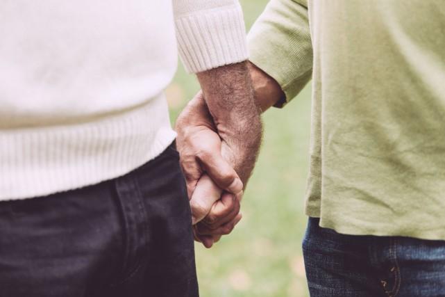 Démystifier la diversité sexuelle auprès des personnes âgées... (123RF)