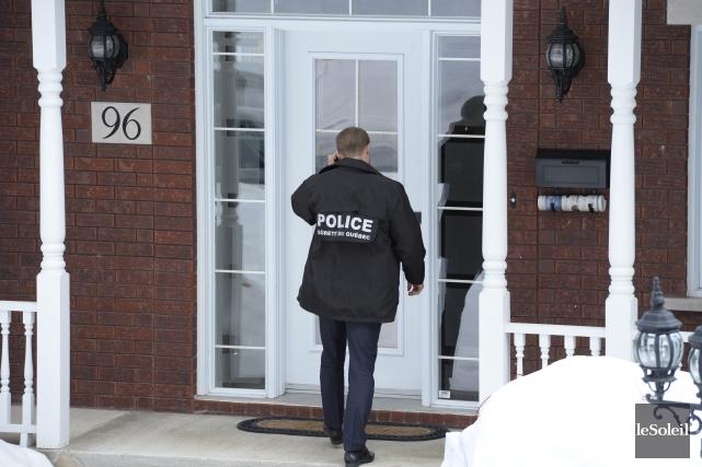 Quelque 150 policiers étaient à pied d'oeuvre mercredi... (Le Soleil, Jean-Marie Villeneuve)