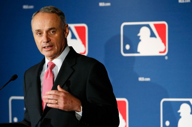 Le commissaire du baseball majeur, Rob Manfred, souhaite... (Photo Ross D. Franklin, archives Associated Press)